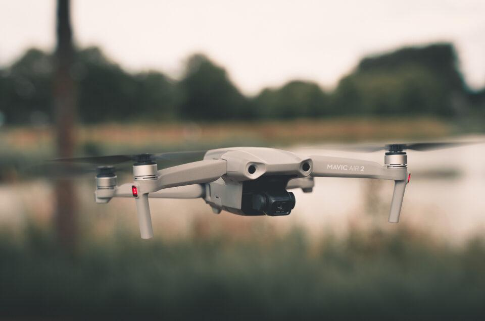 drone DJI Mavic air2